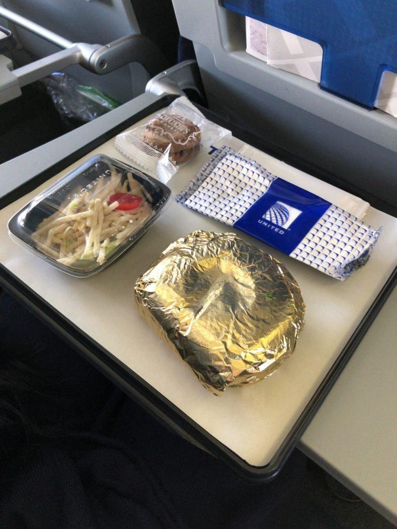 ユナイテッドエコノミー 機内食
