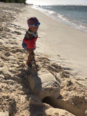 リティディアンビーチ グアム ビーチ 一番きれい 砂遊び