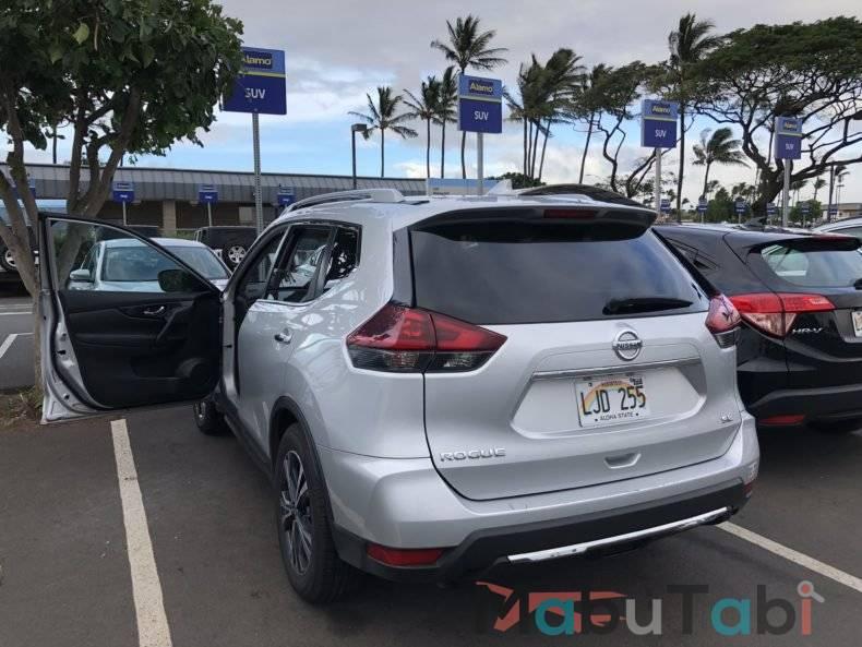 カフルイ空港 レンタカー OGG  Alamo ハワイ マウイ島 アラモレンタカー アラモセレクト